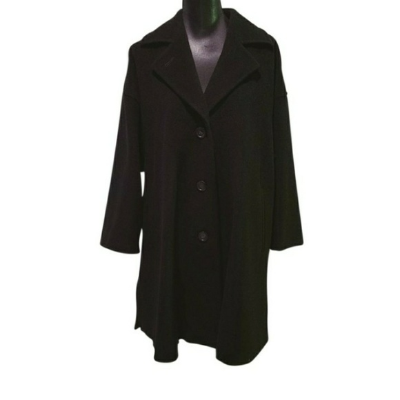 939e7eb328e79 Max Mara Black Virgin Wool Coat. M 599a1cf8eaf030b8360db050