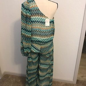Other - BEAUTIFUL BRAND NEW MULTICOLOR JUMPSUIT! NWT
