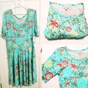 LuLaRoe Dresses - NWOT Gorgeous LuLaRoe Amelia