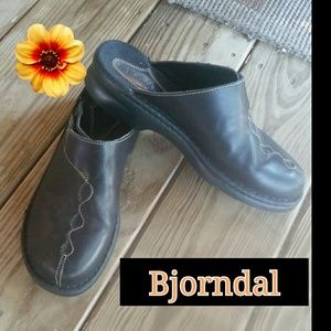 Bjorndal Black Shoes!