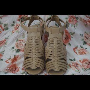| MERONA | tan strappy heels