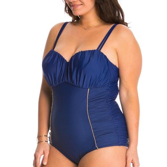 686896d0afa4a NWT Jessica Simpson Plus Size One Piece Swimsuit