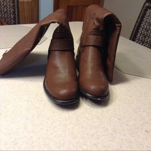 Unr8ted knee high brown boots. Never worn size 8