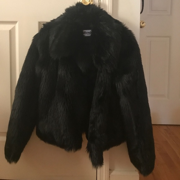 f3ed8c34bc71 Gorgeous faux fur coat from Rouje by Jeanne Damas.  M 599ad62bfbf6f9ddd90fe78e
