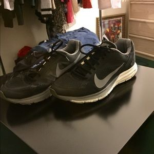 Men's Nike Structure 17 Running Shoes size 9.5