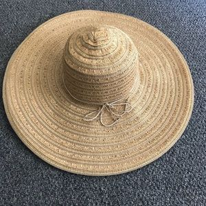 Accessories - Oversized beach hat