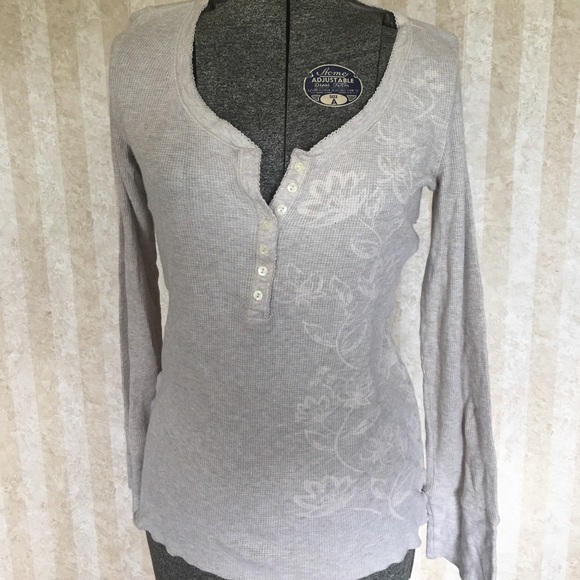 American Eagle Outfitters Tops - American Eagle thermal top.