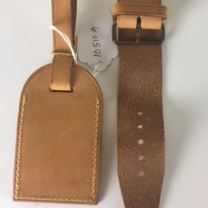 Louis Vuitton Name Tag with Poignant 10510