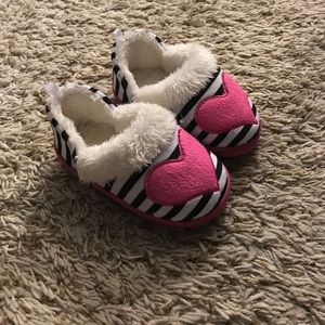 Other - NWOT💗Toddler slippers