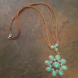 Gorgeous, exquisite, beautiful necklace!