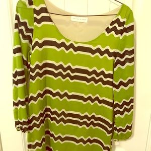 Dresses & Skirts - Long sleeve chevron dress