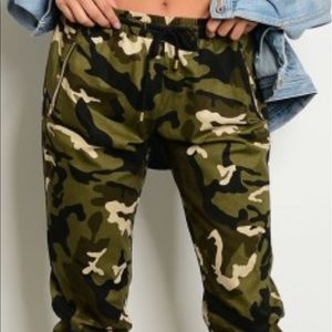 Pants - Real camo joggers. Adjustable waist. S M L.