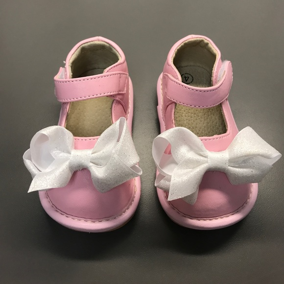 d625ca54d5 Laniecakes Other - Girl Pink Squeaker Sandals Alligator w  bows