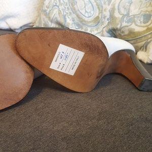 Ralph Lauren Shoes - NWT vintage Ralph Lauren Maraolo size 7 pumps