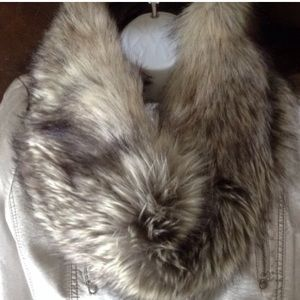 🍃💕NWT Echo Design Nordic Faux Fur Infinity Wrap