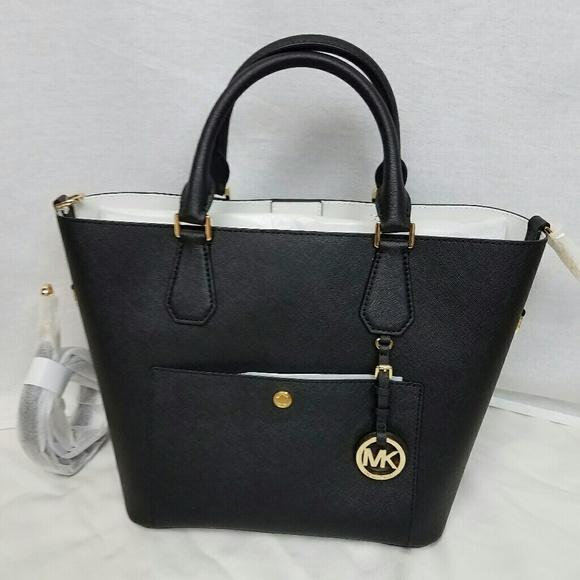 7ba6ef2ca481 Michael Kors Bags | Greenwich Large Grab Bag | Poshmark