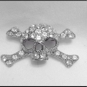 Jewelry - Skull Brooch Pin crystal clear stone silver tone