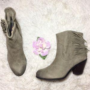 "Sam Edelman ""Louie"" Olive Ankle Boots Size 7.5"