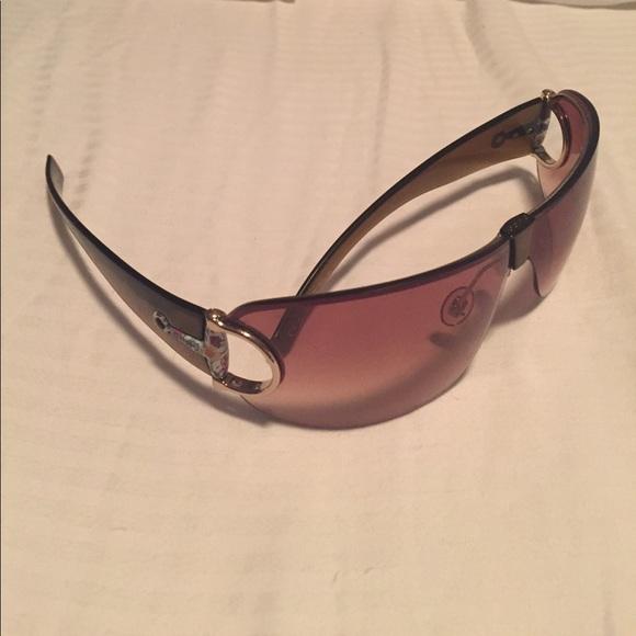 1d8e2263bfa Gucci Accessories - Gucci wrap around sunglasses