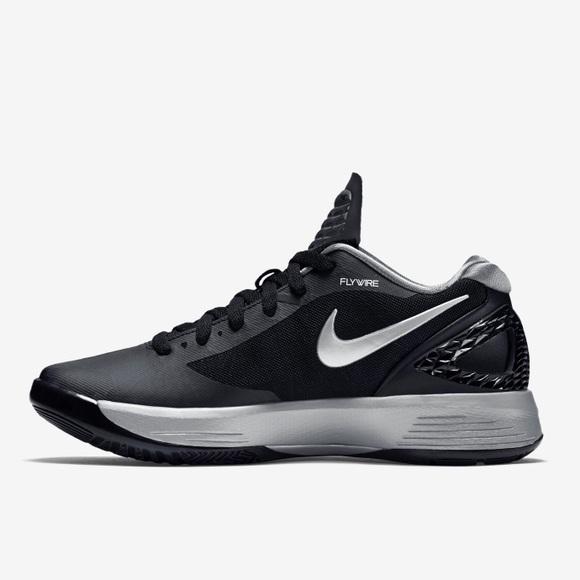 best service fd500 9bd76 Nike Flywire Women s Basketball Shoes. M 599b7477713fdee3170018f5