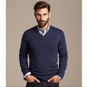 Banana Republic Sweaters , Banana Republic Men\u0027s Navy Cotton V,Neck Sweater  M
