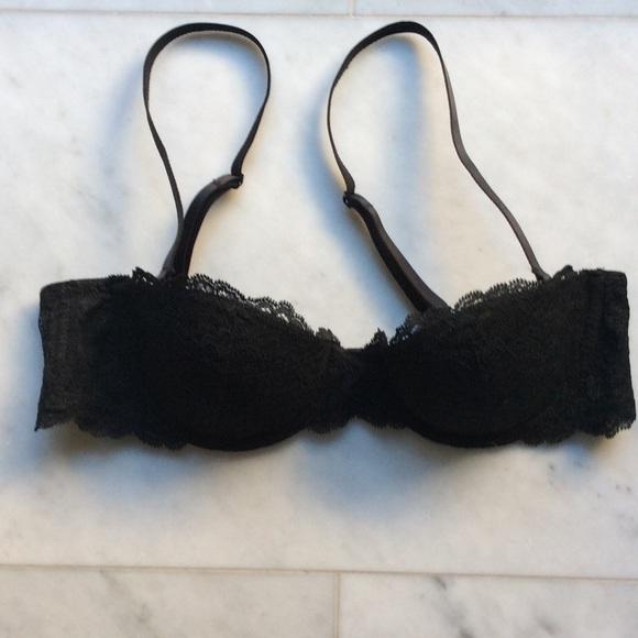 1df4bd82bf gap body Other - Gap Body favorite strapless uplift bra in 34A.