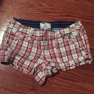 American Eagle Plaid Pink Women's Shorts