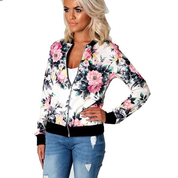 Boutique Jackets & Coats - 🌸Floral Patterned Zip Up Jacket🌸