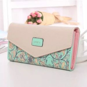 Handbags - Beautiful Paisley Wallet