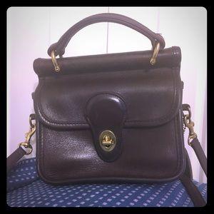 Handbags - Vintage Coach Winnie (mini Willis)