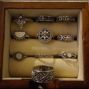 Jewelry - Set of midi rings! ✨