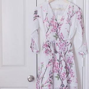 Dresses & Skirts - 🚫SOLD🚫 Zaful floral chiffon dress.