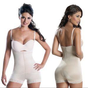 cc66d3fb6e Mandy Intimates   Sleepwear - Faja Colombiana Mandy Size M