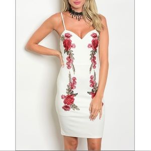 Dresses & Skirts - White dress w/ floral print, NWT