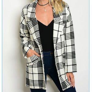 Jackets & Blazers - 🎉🆕ivory/black plaid long blazer