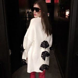 Sweaters - ONE OF A KIND DESIGNER SWEATER: TAKING OFFERS