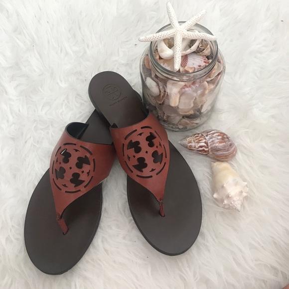 ffae4f794 Tory Burch Zoey Cut Out Thong Sandals. M 599c487d99086acc2500c203