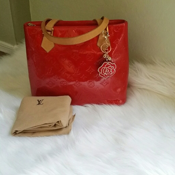 Louis Vuitton Handbags - 🍒WEEKEND SALES 🍒LV Red vernis Houston tote 6c2e42b64d03d
