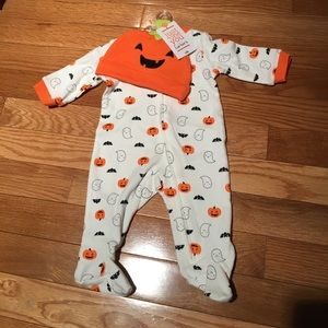 Carters footed body w/hat nwt nb
