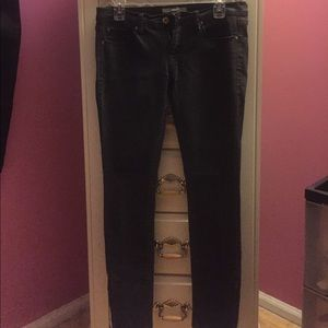 Forever 21 charcoal skinny jean with zipper, 28