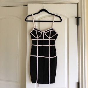 Dresses & Skirts - A sexy black and white bodycon dress