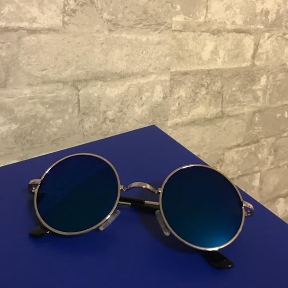 1a012581b53e menton ezil Accessories | Vintage Round Sunglasses With Polarized ...