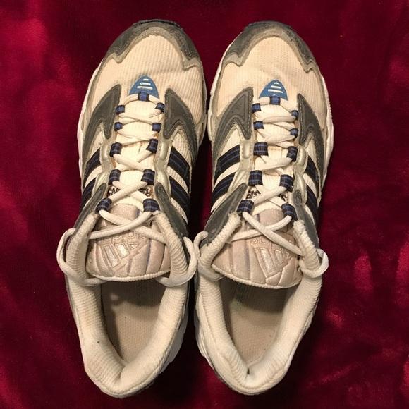Le Adidas Risposta Scarpa Da Corsa Era 8 Poshmark