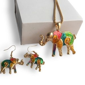 Jewelry - Elephant pendant necklace with matching earrings