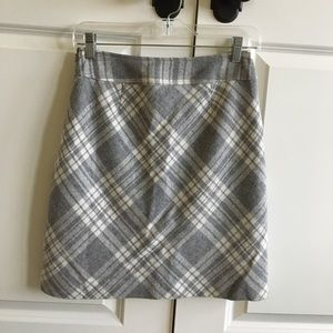 Dresses & Skirts - Checkered gray pencil skirt, office friendly