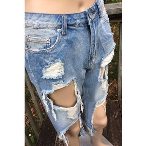 Shorts - ➳ Boutique Super Distressed Bermuda Shorts