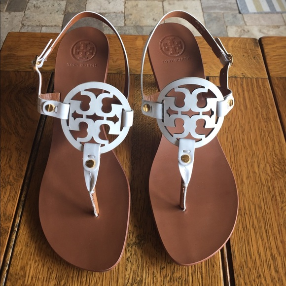 2709449210f6 Authentic Tory Burch holly kitten heels size 10. M 599c91c93c6f9fde0e0061f7