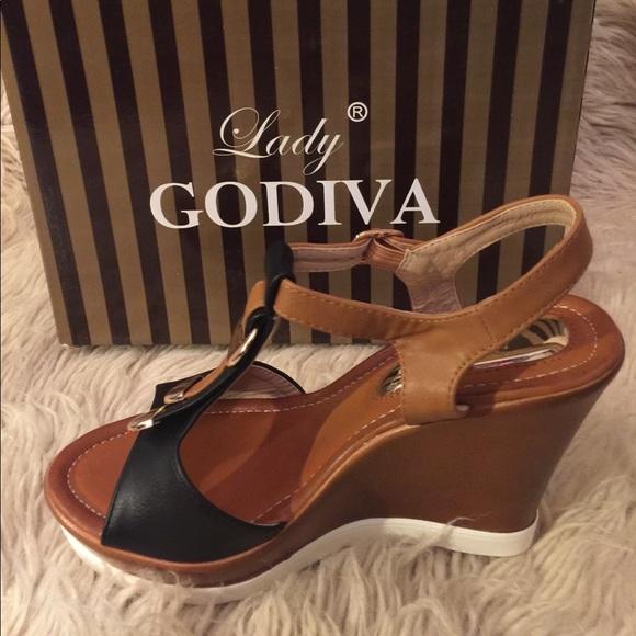 a7690b0ad5c2 Black Tan LADY GODIVA Women s Wedge Sandals sz 5.5