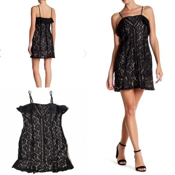 19 Cooper Ruffle Shoulder Lace Dress Nwt