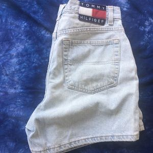 ✨24 HR SALE 90s Tommy Hilfiger jean shorts
